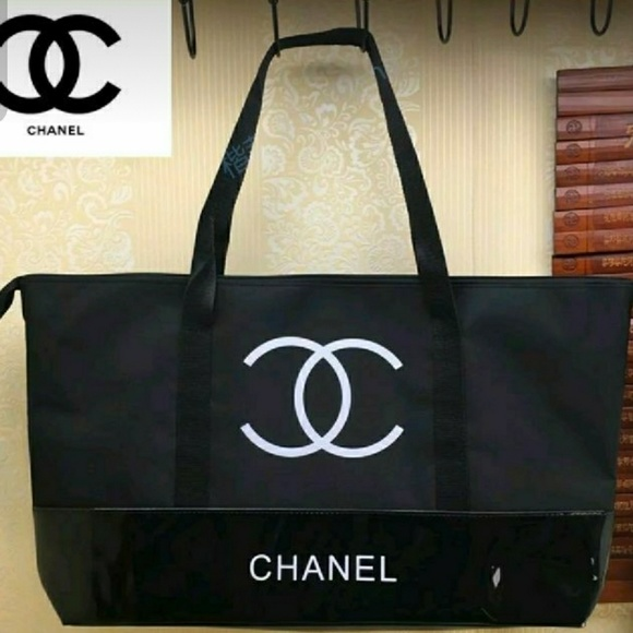 CHANEL Bags   New Large Vip Gift Tote Bag   Poshmark 66c66fee6d